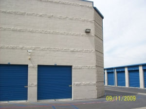 US Storage Centers - Stanton - Photo 9