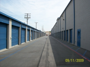 US Storage Centers - Stanton - Photo 10