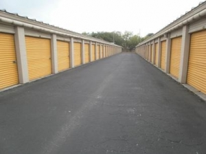 Uncle Bob's Self Storage - Tampa - 7550 W Waters Ave - Photo 4