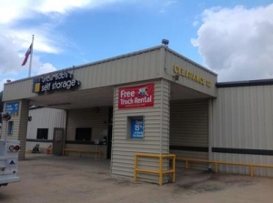 photo of Uncle Bob's Self Storage - Beaumont - College St