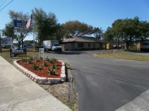 Uncle Bob's Self Storage - Tampa - 6010 E Hillsborough Ave - Photo 5
