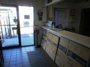 Uncle Bob's Self Storage - Tampa - 6010 E Hillsborough Ave - Photo 7