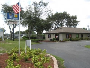 Uncle Bob's Self Storage - Tampa - 6010 E Hillsborough Ave - Photo 4