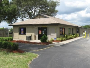 Uncle Bob's Self Storage - Tampa - 6010 E Hillsborough Ave - Photo 1