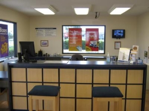 Uncle Bob's Self Storage - Tampa - 6010 E Hillsborough Ave - Photo 12