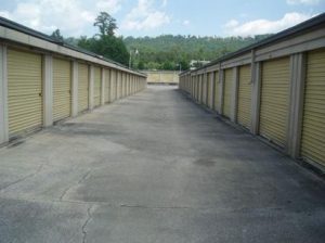 Uncle Bob's Self Storage - Birmingham - 6604 Walt Dr - Photo 4