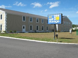 Uncle Bob's Self Storage - East Greenwich - 2771 S County Trl - Photo 1