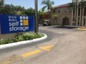 photo of Uncle Bob's Self Storage - Hollywood - N 21st Ave