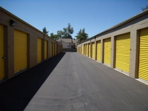 Uncle Bob's Self Storage - Mesa - 545 W Broadway Rd - Photo 6