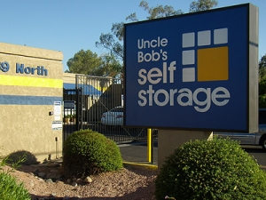 Uncle Bob's Self Storage - Mesa - 139 N Greenfield Rd - Photo 1