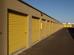 Uncle Bob's Self Storage - Mesa - 139 N Greenfield Rd - Photo 4