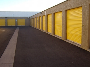 Uncle Bob's Self Storage - Mesa - 139 N Greenfield Rd - Photo 6