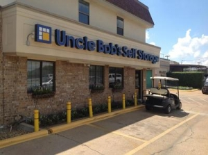 photo of Uncle Bob's Self Storage - Dallas - 3210 S Buckner Blvd