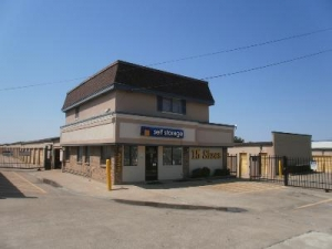 Uncle Bob's Self Storage - Dallas - 3333 N Buckner Blvd - Photo 1