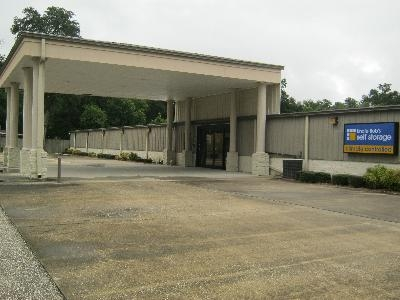 Uncle Bob's Self Storage - Pensacola - N Palafox St - 5060 N Palafox St - Pensacola, FL - Photo 0