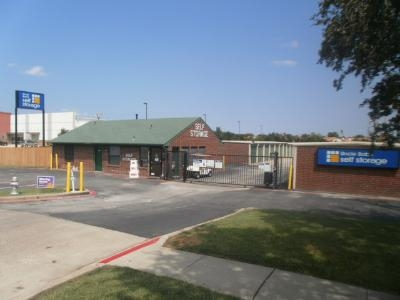 Uncle Bob's Self Storage - Benbrook - Photo 1