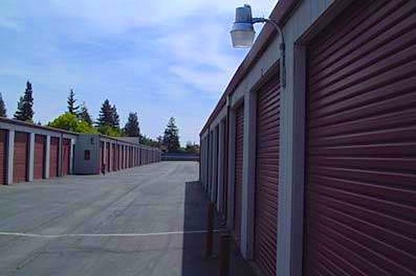 Security Public Storage - Shaw - 2633 W Shaw Ave - Fresno, CA - Photo 0