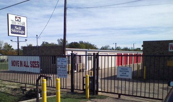 Tri Star Self Storage - Panther Way - 700 Panther Way - Hewitt, TX - Photo 0