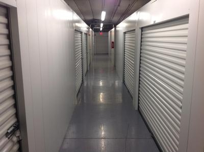 Uncle Bob's Self Storage - Arlington - Duncan Perry Rd1061 Duncan Perry Rd - Arlington, TX - Photo 5