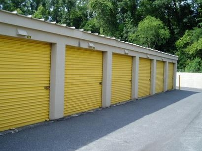 Uncle Bob's Self Storage - Jacksonville - Manotak Ave - Photo 3