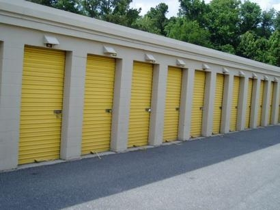 Uncle Bob's Self Storage - Jacksonville - Manotak Ave - Photo 4