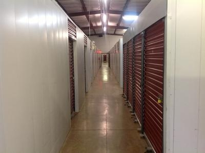 Uncle Bob's Self Storage - Lafayette - W Pinhook Rd - Photo 15