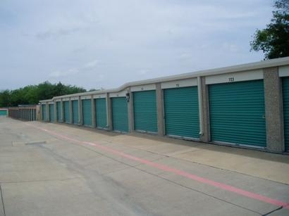 Uncle Bob's Self Storage - Garland - Broadway Blvd - Photo 4