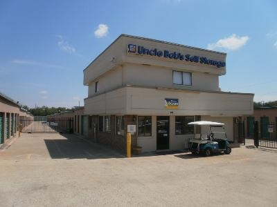 Uncle Bob's Self Storage - Garland - Broadway Blvd - Photo 6
