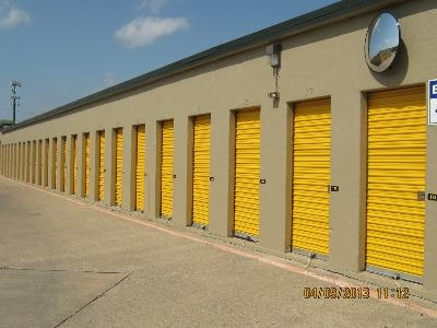 Uncle Bob's Self Storage - Garland - Broadway Blvd - Photo 10