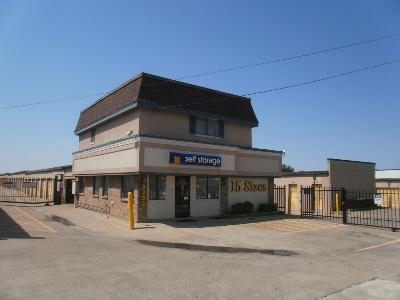 Uncle Bob's Self Storage - Dallas - N Buckner Blvd - Photo 2