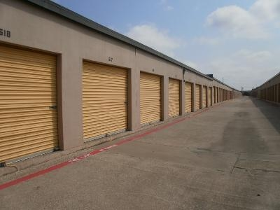 Uncle Bob's Self Storage - Dallas - N Buckner Blvd - Photo 5