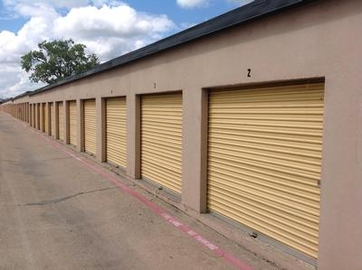 Uncle Bob's Self Storage - Dallas - N Buckner Blvd - 3333 N Buckner Blvd - Dallas, TX - Photo 0