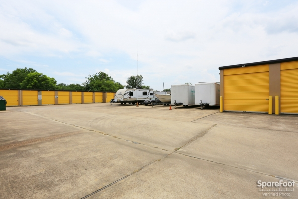 Storage Choice - Pearland5710 W Broadway St - Pearland, TX - Photo 8