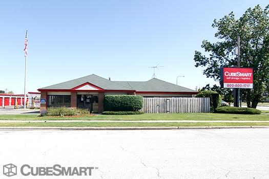 CubeSmart Self Storage - 1750 Busse Road - Elk Grove Village, IL - Photo 0
