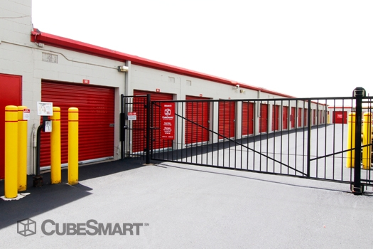 CubeSmart Self Storage1004 S. Milwaukee Avenue - Wheeling, IL - Photo 4