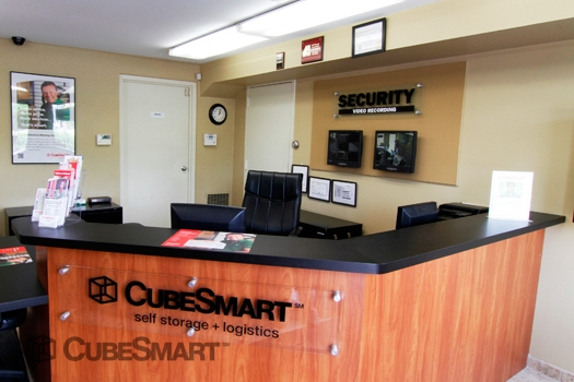 CubeSmart Self Storage1004 S. Milwaukee Avenue - Wheeling, IL - Photo 8