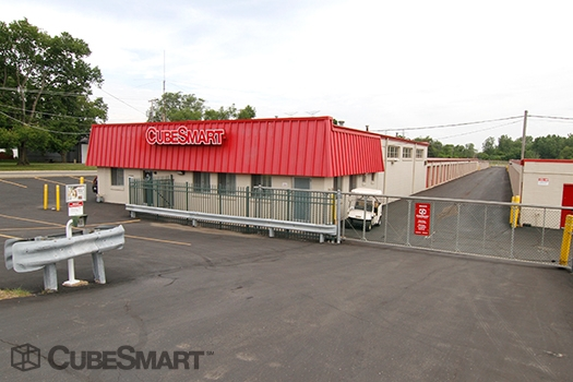CubeSmart Self Storage - 30W330 Butterfield Rd - Warrenville, IL - Photo 0