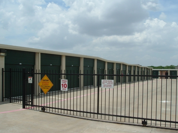 Storage Masters - Plano4633 Hedgcoxe Rd - Plano, TX - Photo 3