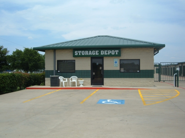 Storage depot fort worth fossil creek fort worth tx for Discount motors fort worth tx