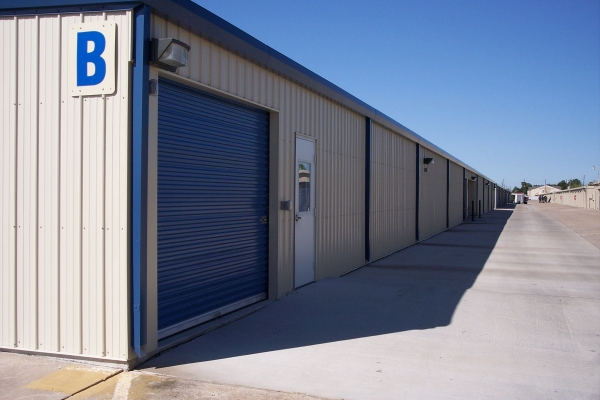 Watson & Taylor Self Storage - Fondren - Photo 4