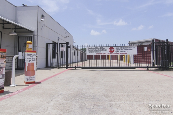 Access Self Storage - Oak Cliff3427 Marvin D Love Fwy - Dallas, TX - Photo 1