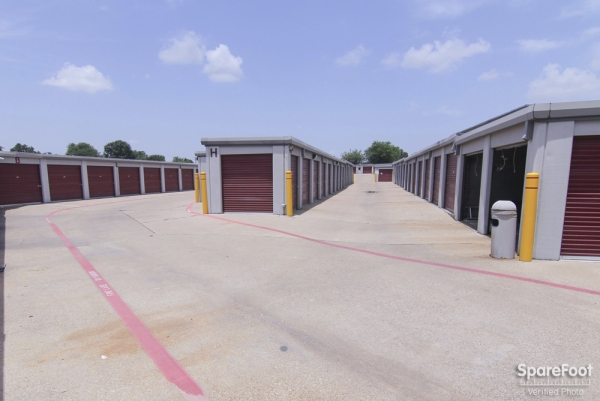 Access Self Storage - Oak Cliff3427 Marvin D Love Fwy - Dallas, TX - Photo 4
