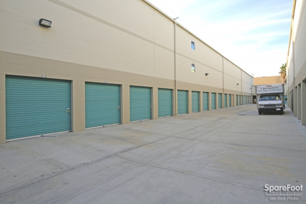 Saf Keep Self Storage - Los Angeles - San Fernando Road2840 N San Fernando Rd - Los Angeles, CA - Photo 5