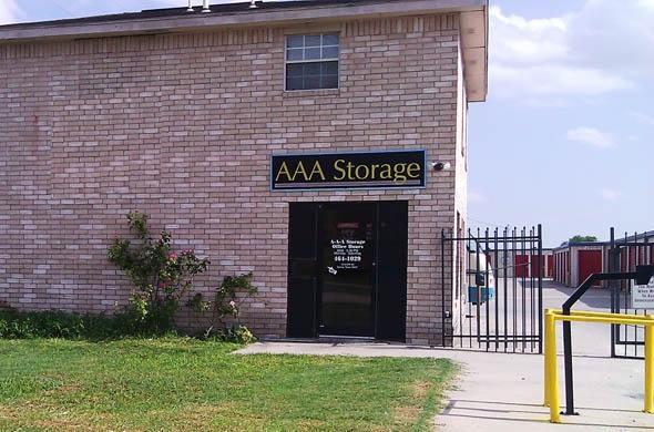 AAA Storage Val Verde & Postal Center - Photo 0