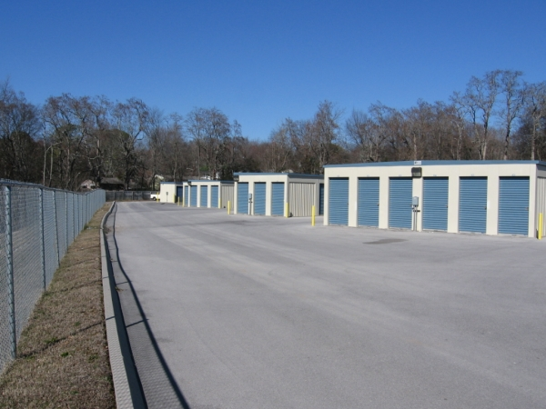 Knoxville Star Storage North5500 Central Avenue Pike - Knoxville, TN - Photo 1