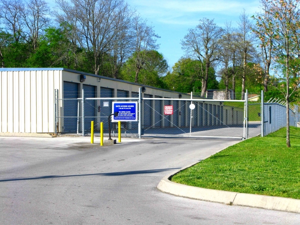 Knoxville Star Storage North - 5500 Central Avenue Pike - Knoxville, TN - Photo 0