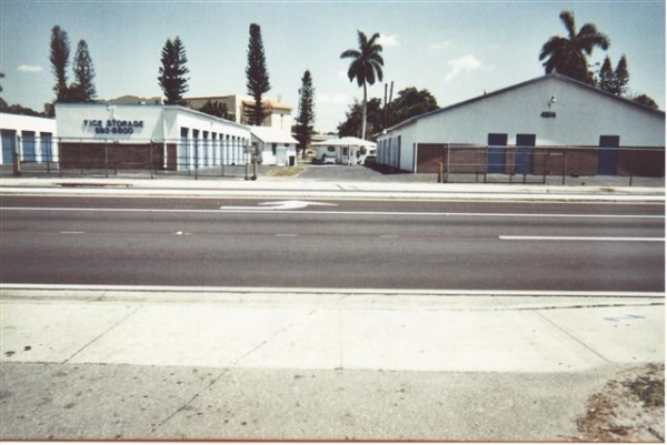Fort Myers Self Storage - Palm Beach - Photo 0