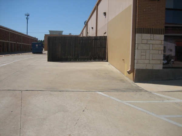 Macho Self Storage - Fort Worth - Photo 2