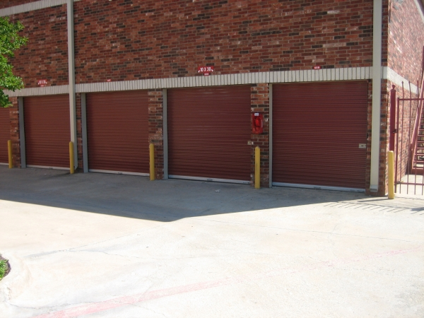 Macho Self Storage - Fort Worth - 3901 Sycamore School Rd - Fort Worth, TX - Photo 0