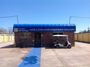 photo of Uncle Bob's Self Storage - Beaumont - Eastex Fwy